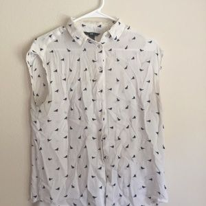 Sleeveless Button Up Blouse with Bird Pattern